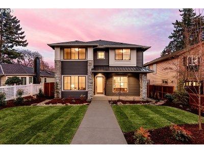 Lake Oswego Single Family Home For Sale: 441 8th St