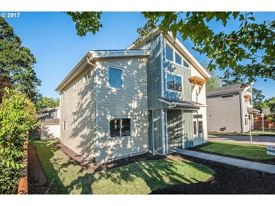 Single Family Home For Sale: 5355 SW Main Ave