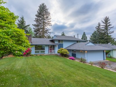 Gresham Single Family Home For Sale: 845 NW Cascade Ct