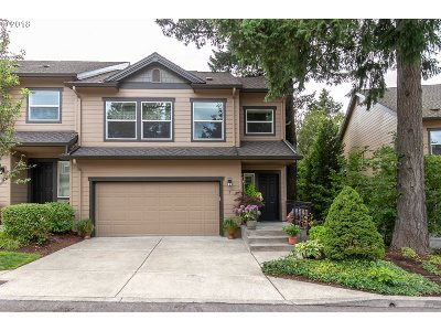 Lake Oswego Single Family Home For Sale: 7 Summit Ridge Ct