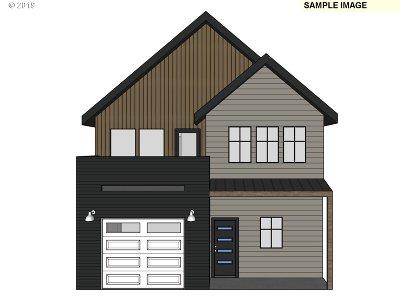 Eugene Single Family Home For Sale: 1925 Elkhorn Dr #7