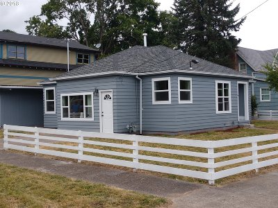 Hillsboro, Cornelius, Forest Grove Single Family Home For Sale: 2206 B St