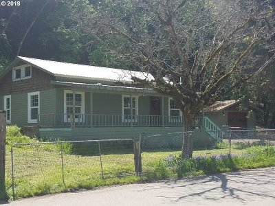 Myrtle Creek Single Family Home For Sale: 260 SW Western Ave