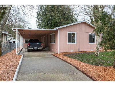 Woodburn Single Family Home For Sale: 3507 Hawthorn Cir
