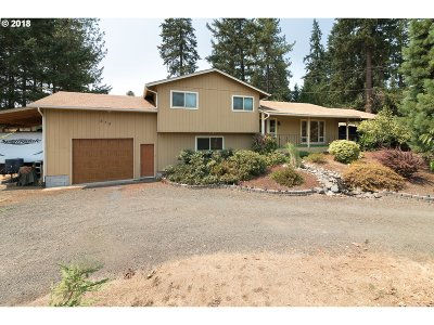 Roseburg Single Family Home For Sale: 250 Halfmile Rd
