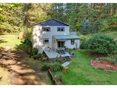 Scappoose Single Family Home For Sale: 57070 Walker Rd