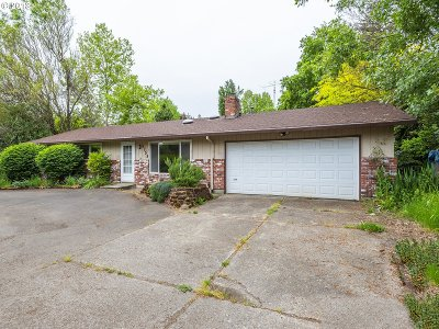 Portland Single Family Home For Sale: 5755 SW Taylors Ferry Rd
