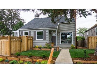 Portland Single Family Home For Sale: 5275 N Bowdoin St