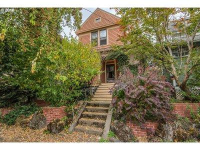 Clackamas County, Multnomah County, Washington County Multi Family Home For Sale: 1407 SE Oak St