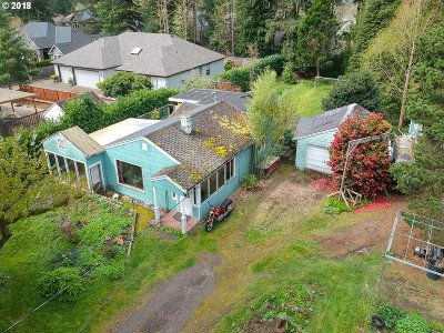 Portland Single Family Home For Sale: 9205 SW 74th Ave