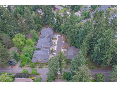 Clackamas County Multi Family Home For Sale: 17606 Sydni Ct
