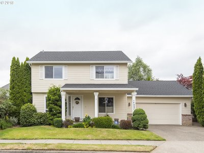 Happy Valley, Clackamas Single Family Home For Sale: 14807 SE Brackenbush Rd