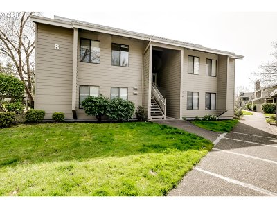 Eugene Condo/Townhouse For Sale: 2004 Lake Isle Dr