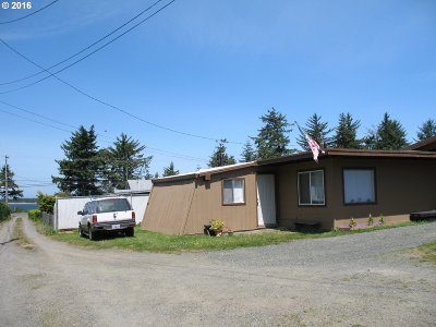 Coos Bay Single Family Home For Sale: 91289 Hedge Ln