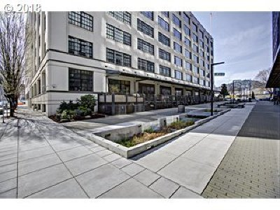 Portland Condo/Townhouse For Sale: 1400 NW Irving St #631