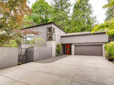Single Family Home For Sale: 705 NW Winchester Ter