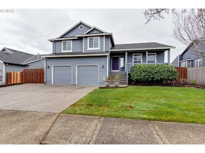 Troutdale Single Family Home For Sale: 700 SE 10th St