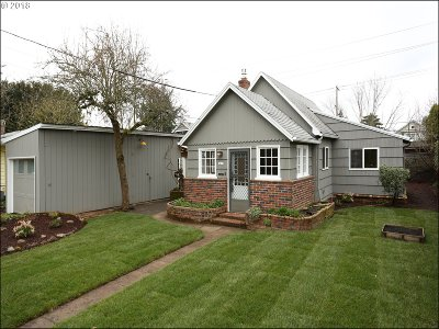 Multnomah County, Washington County, Clackamas County Single Family Home For Sale: 5619 SE Pardee St