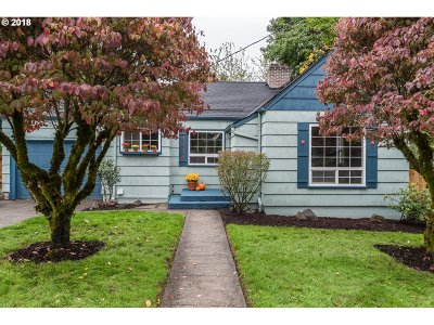 Milwaukie, Clackamas, Happy Valley Single Family Home For Sale: 4036 SE Monroe St