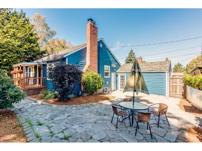 Single Family Home For Sale: 8335 NE Going St