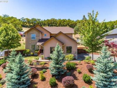Roseburg OR Single Family Home For Sale: $319,000