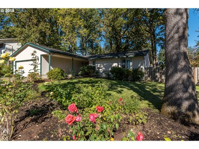 Beaverton Single Family Home For Sale: 17631 NW Dogwood Ct