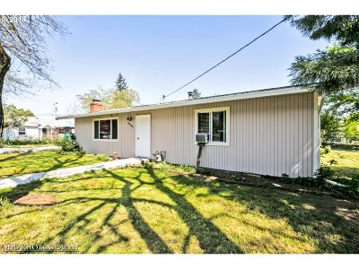 Portland Single Family Home Bumpable Buyer: 8594 SE 65th Ave