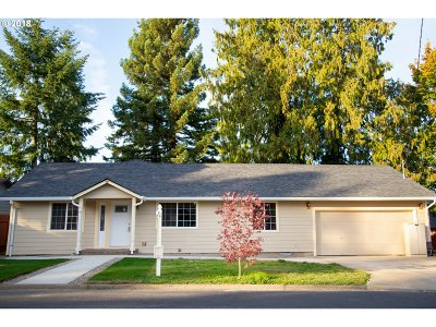 Forest Grove Single Family Home For Sale: 1637 23rd Ave Ave