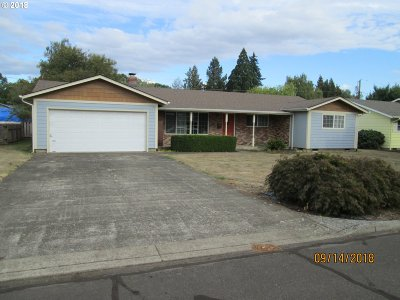 Woodburn Single Family Home For Sale: 390 Workman Dr