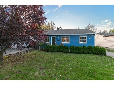 Portland Single Family Home For Sale: 10233 N Polk Ave