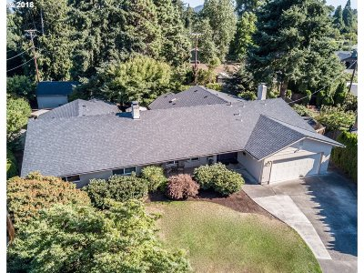 Eugene Single Family Home For Sale: 435 Hazel Ct