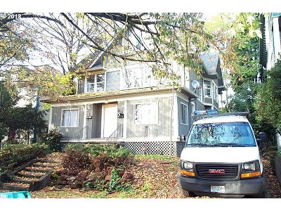 Multnomah County Multi Family Home For Sale: 1415 SE Main St