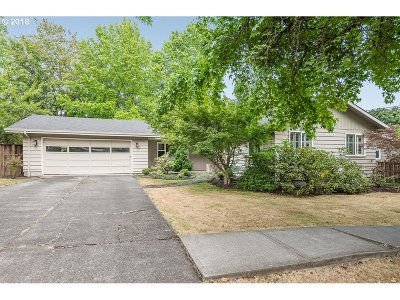 Lake Oswego Single Family Home For Sale: 1280 Hallinan St