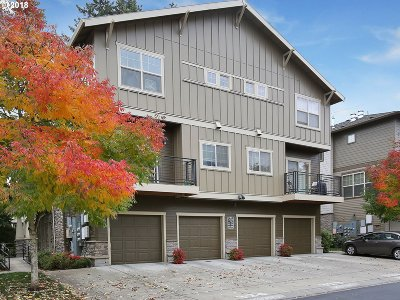 Hillsboro Condo/Townhouse For Sale: 8676 NE Delamere Way