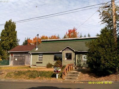 Coos Bay Single Family Home For Sale: 3130 Walnut