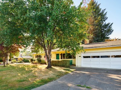 Forest Grove Single Family Home For Sale: 1828 Willamina Ave