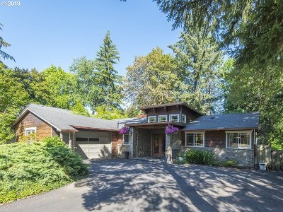 Lake Oswego Single Family Home For Sale: 1911 Woodland Ter
