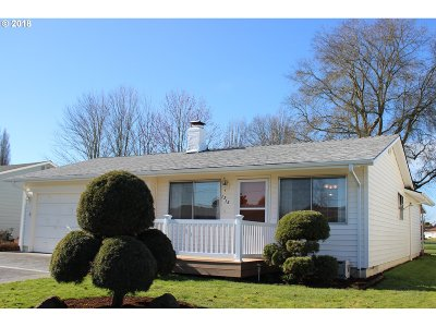 Woodburn Single Family Home For Sale: 1315 Princeton Rd