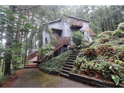 Eugene Single Family Home For Sale: 29142 Rainier Dr