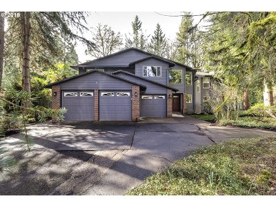 West Linn Single Family Home For Sale: 4095 Parkwood Way