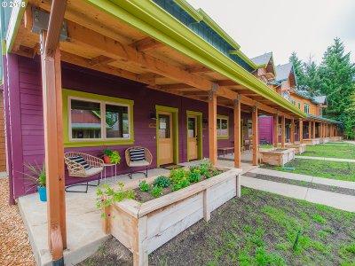 Portland Single Family Home For Sale: 5862 NE Mason St #7