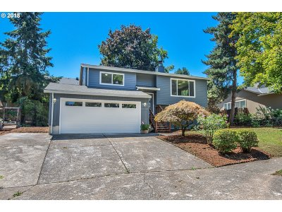 Tualatin Single Family Home For Sale: 21932 SW Creek Dr