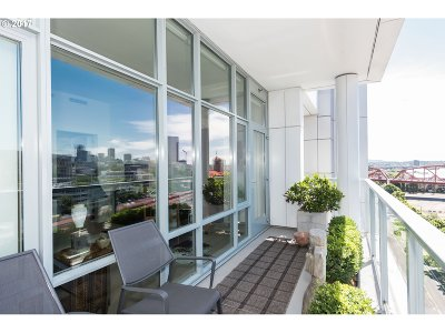 Condo/Townhouse For Sale: 1260 NW Naito Pkwy #1005