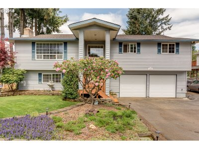 Oregon City Single Family Home For Sale: 14099 Caufield Rd