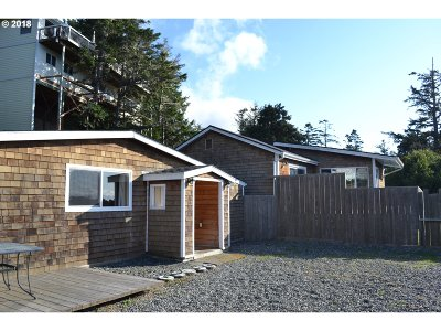 Gold Beach OR Multi Family Home For Sale: $329,000