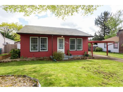 Portland Single Family Home For Sale: 4036 SE 113th Ave