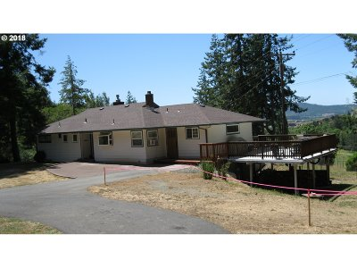 Coquille Single Family Home For Sale: 54892 Robinson Rd
