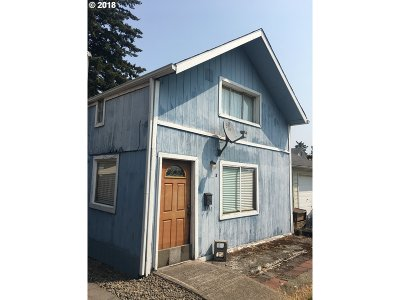 Portland Single Family Home For Sale: 6712 SE Pardee St #A