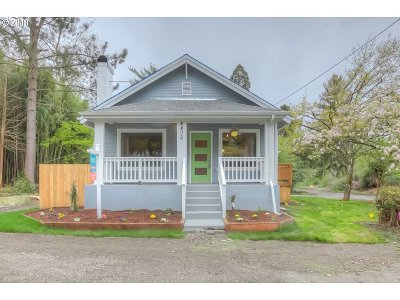 Single Family Home For Sale: 4402 SE Tenino St