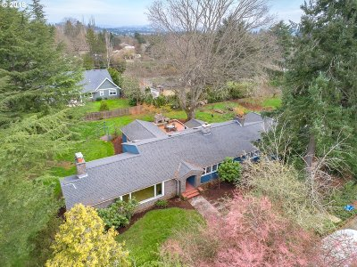 Multnomah County, Clackamas County, Washington County Single Family Home For Sale: 1945 SW Stephenson St